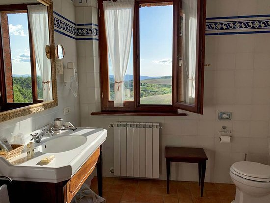Room 7 very spacious bathroom with a gorgeous view