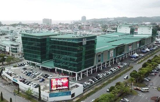Commerce Square Mall
