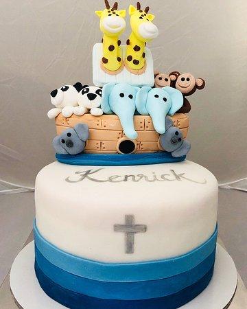Noah's Ark themed cake