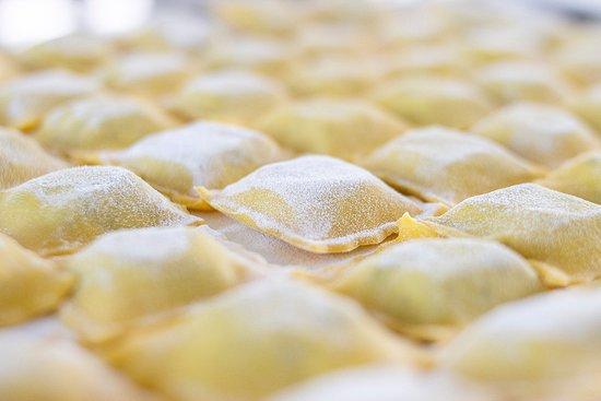 """I nostri """"tortelli del Tuffetto"""" in preparazione"""