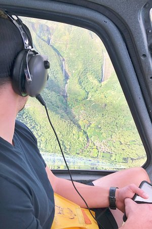 West Maui and Molokai Exclusive 45-Minute Helicopter Tour: huge waterfalls