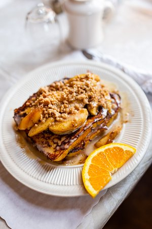 Apple Streusel French Toast; The Old Brick Cafe at the Wrightson-Jones House.