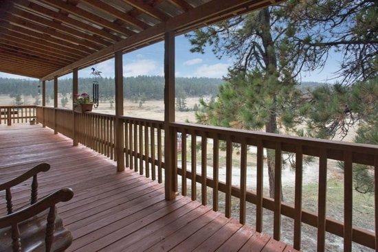 Roundup, MT: Porch time