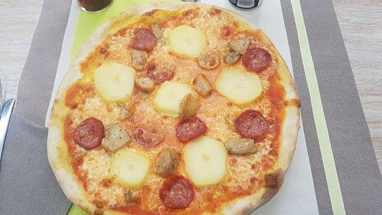 Servizio eccellente... pizza nella media
