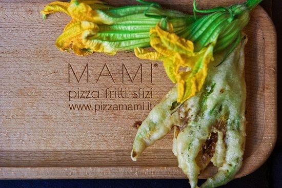 Fiore di zucca fresco fritto