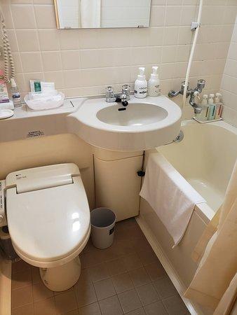 部屋のバスルーム