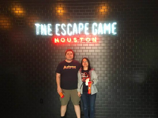 Playground Escape Room: after the game the employees are friendly and will take group photos if asked for