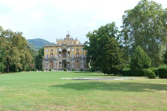 Veduta della villa