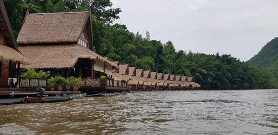 floathouse river kwai resort