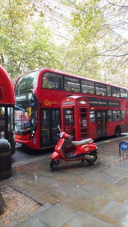 Lontoo, UK: Cliché anglais !
