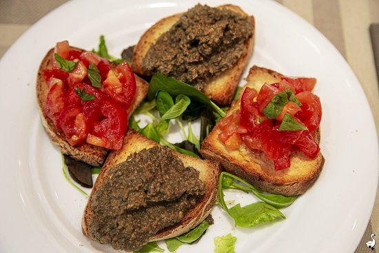 Crostini Toscani e al pomodoro