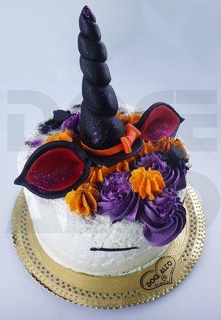 (Há)loween´s que não se esquecem! Imagine a sua festa e desafie-nos! Fazemos qualquer bolo, sobremesa ou salgado. Veja todas as sugestões em www.docealto.pt e encomende online, via telefone ou email encomendas@docealto.pt! :)