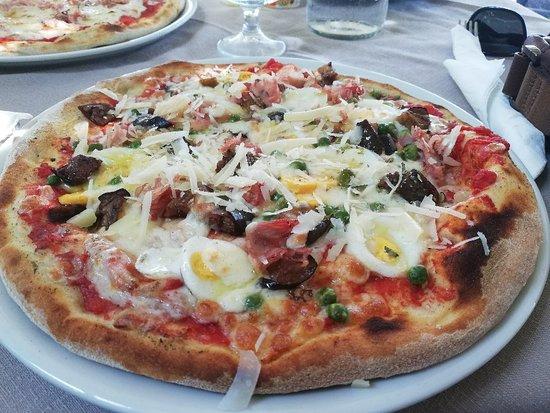 PIZZA AND FISH - GIARDINI NAXOS | Restaurant lângă mine | Rezervă acum