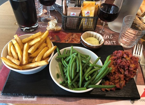 Courtepaille Rambouillet - le célèbre Tartare au couteau avec frites & haricots