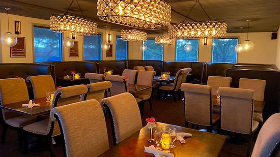 The Slate Room, A throwback to a romantic dining experience!