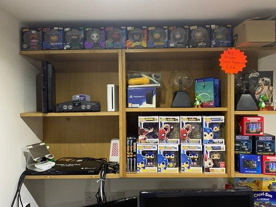 The Geek Guys Video Games & Arcade Collectors