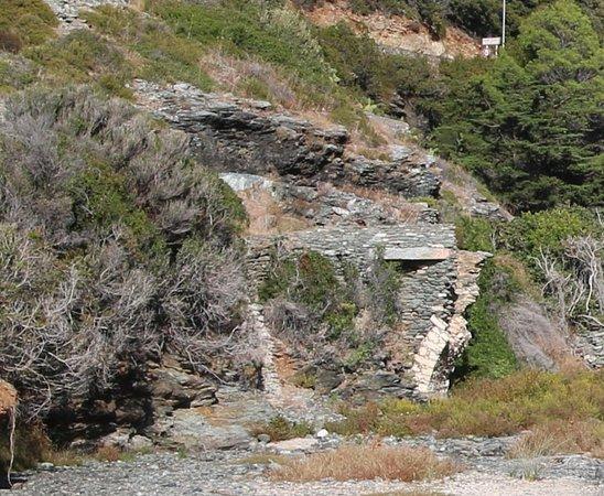 Olmeta di Capocorso, Frankrike: Les ruines de ce pont génois datent  du XVe Siècle