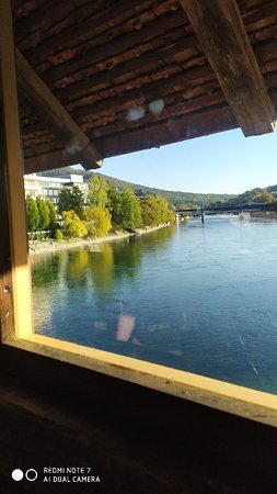 La serenità del Lago Svizzero