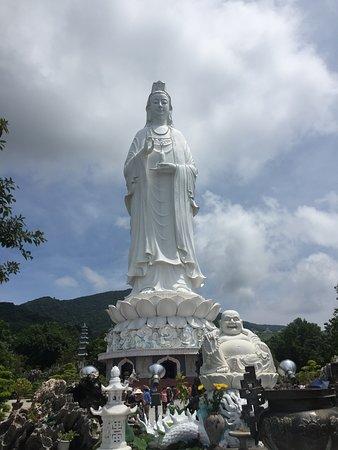Da Nang, Vietnam: Lady Buddha y Buddha Feliz