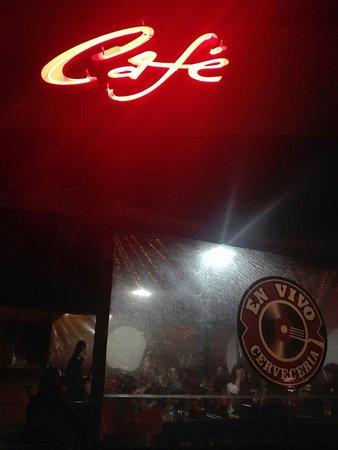 En Vivo Bar & Restorant