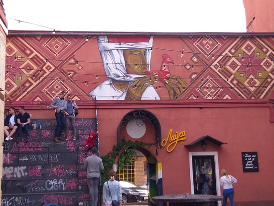 murals with Belarusian themes