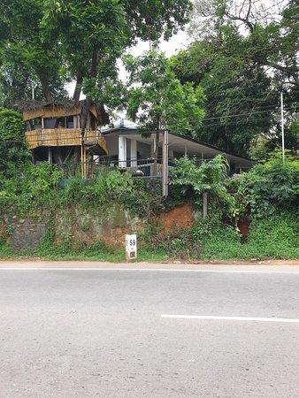 Ambepussa Avanhala