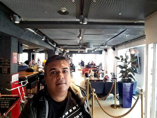 Bar, Lobby and Reception