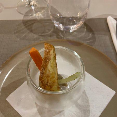 Restaurant  de l'Ibis Styles en face du stade Mayol. Très bon accueil, très bon repas.