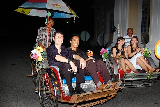 Penang Night Tour with The TOP Admission Tickets & Trishaw Ride: Penang Night Tour with The TOP Admission Tickets & Trishaw Ride
