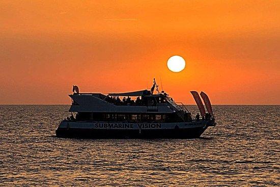 Crociera al tramonto sulla spiaggia