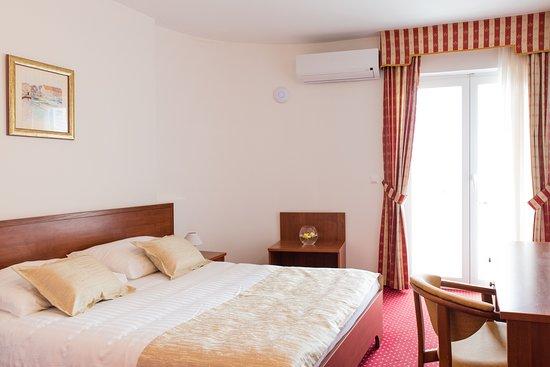 Jesenice, Kroatië: Double Superior room, second floor