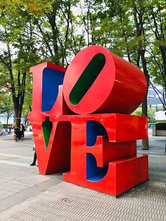 Nishishinjuku, Japonya: A large object in Nishi-Shinjuku.  It is a famous photo spot from before.