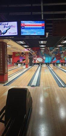 emerald casino ten pin bowling prices