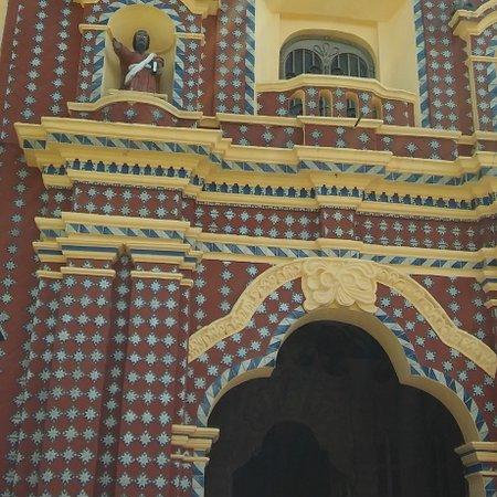 Iglesia con gran ornamentacion