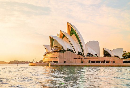 Australien: The Sydney Opera House Tour  Discover the stories, history, and magic of Sydney Opera House with an incredible hour-long guided tour that takes you underneath the world-famous sails and along the 300 corridors of this UNESCO World Heritage Site.  http://dubaiholidays.ga +201271431645 info@dubaiholidays.ga