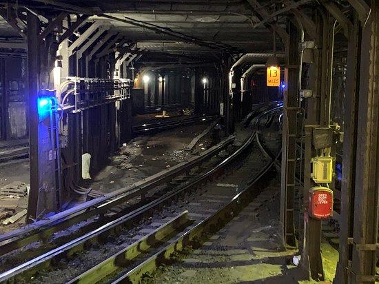 Excursão de metrô subterrâneo guiada...