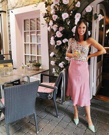 Galway fashion blogger @thesavvysartorialist at Restaurant Gemelles
