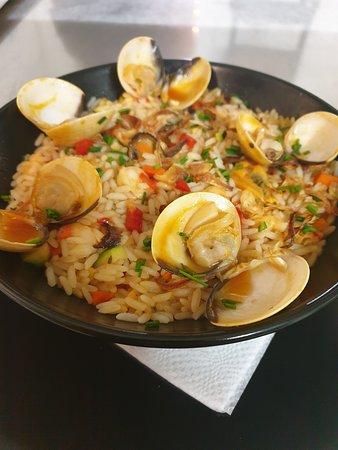 Restaurant BellaMar: Plat du jour à 9€90, riz aux saveurs marines