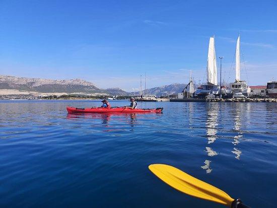 Снимок Half-Day Split Sea Kayak Adventure