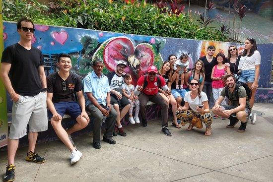 World Lion Graffiti Tour Comuna 13