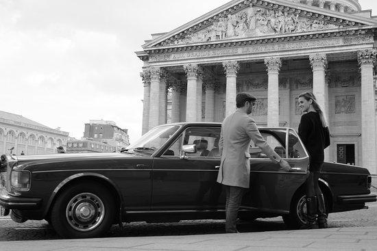 Paris luxury tour in a vintage Rolls Royce