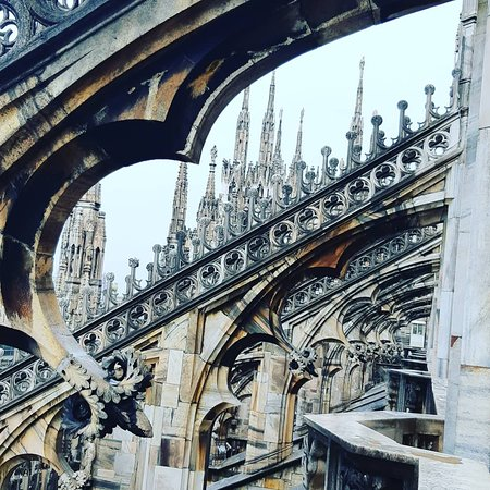 Skip-the-line Duomo Tour with Rooftop Access Φωτογραφία
