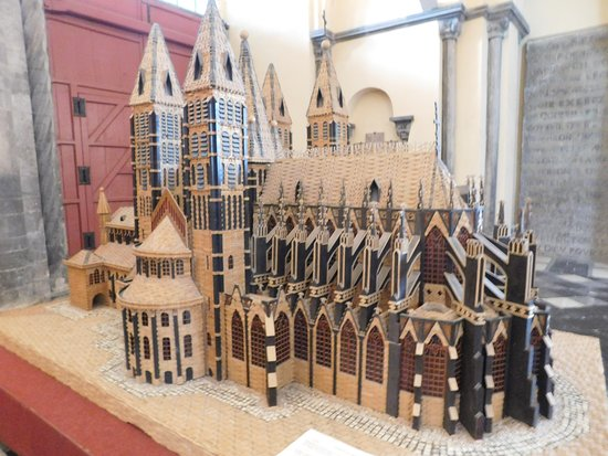 Clothes-peg model of the Cathedral