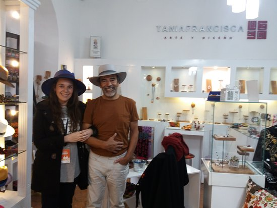 Tania Francisca Arte y Diseno