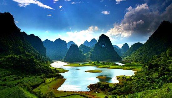 Cao Bang Province, Vietnam: Núi mắt rồng Nặm Chá Cao Bằng