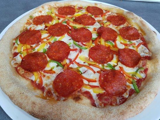 La Clotte, צרפת: Pizza saisonnière pepperoni.