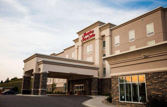 Hampton Inn & Suites Minot / Airport