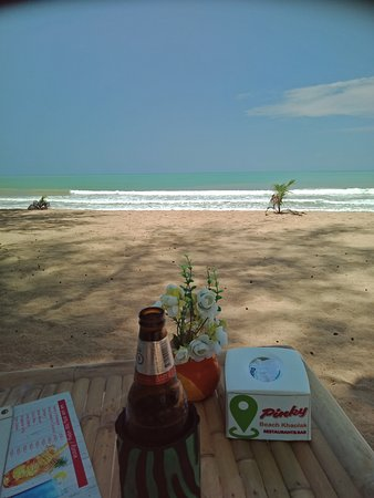 Stunning beach, beautiful views from your table.