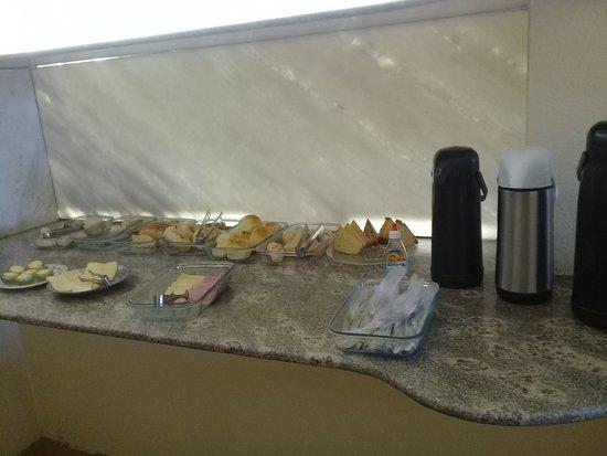 Varzea Da Palma: Café da manhã sempre saboroso e fresquinho