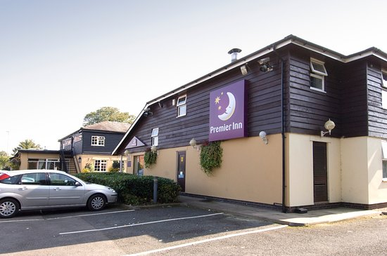 Premier Inn Cheltenham North West hotel